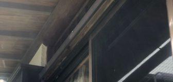 アシナガバチ駆除 堺市 個人宅 1階軒下の駆除処理後