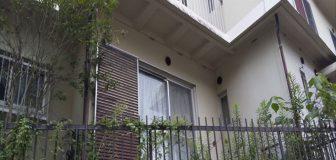 スズメバチ駆除 京都市下京区 個人宅(空家) サッシの写真