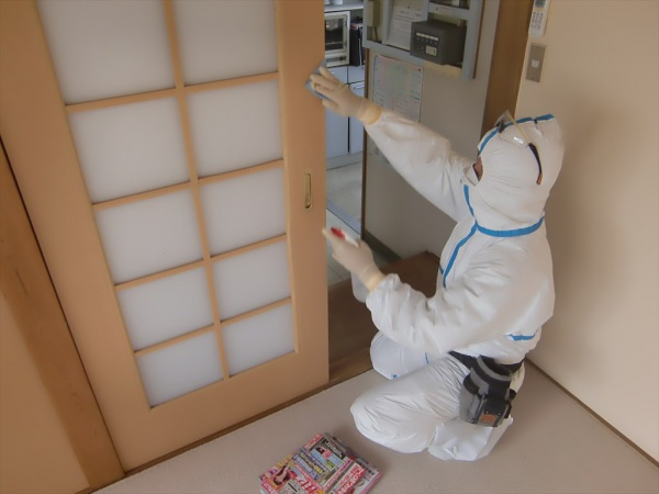 新型コロナウイルス消毒除菌施工 大阪市 店舗兼住居画像
