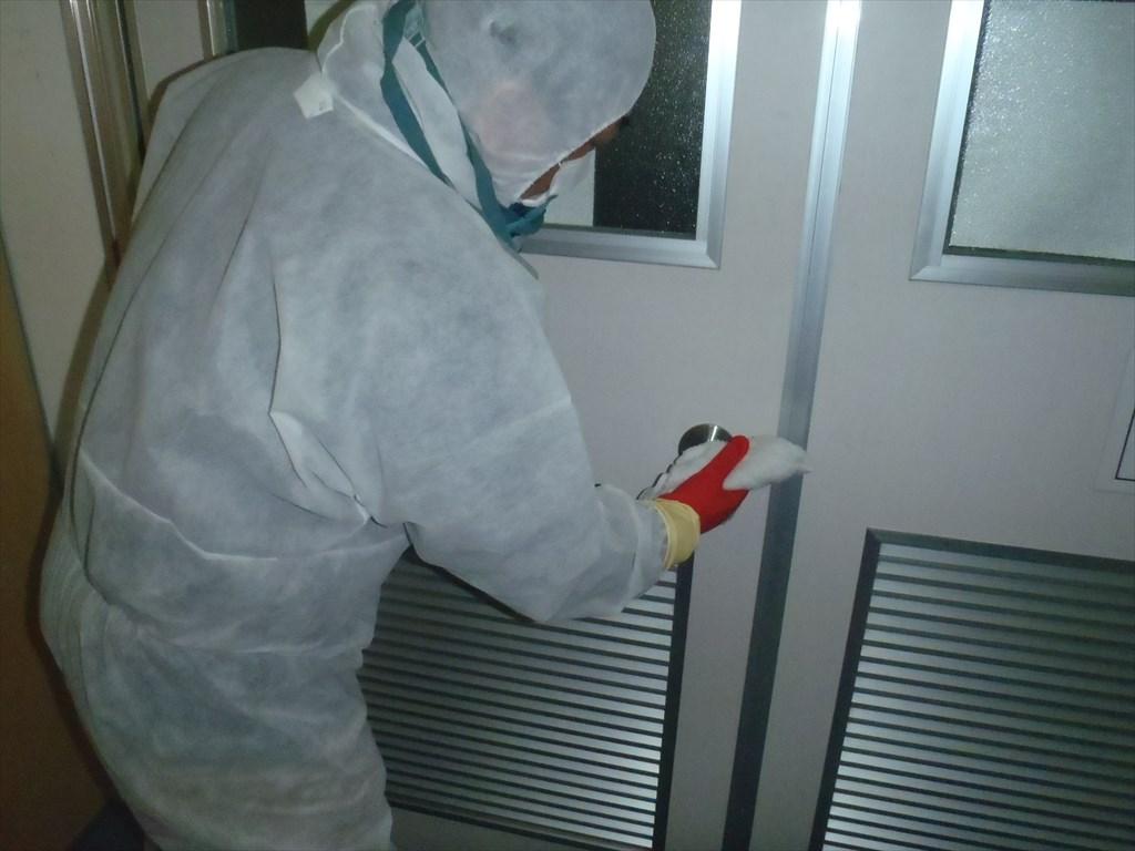 新型コロナウイルス消毒 アルコール清拭 ドアノブ