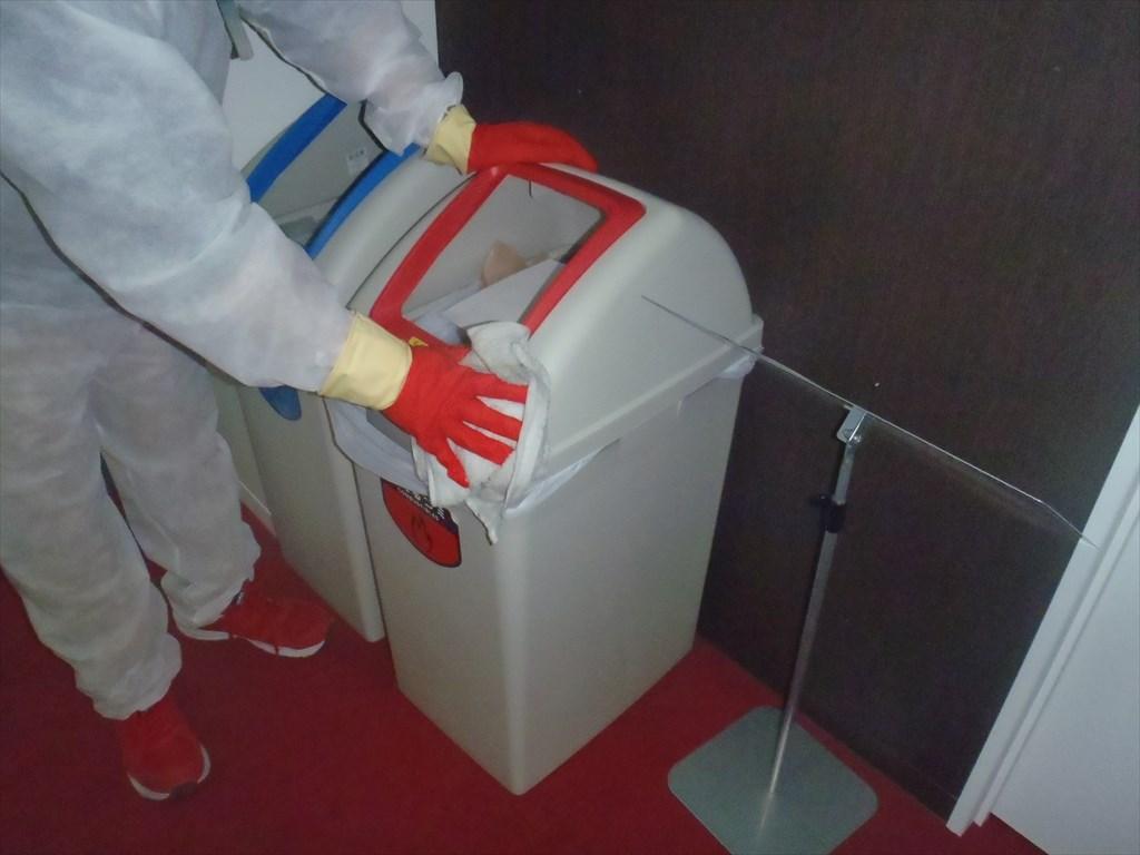 新型コロナウイルス消毒 アルコール清拭 ゴミ箱